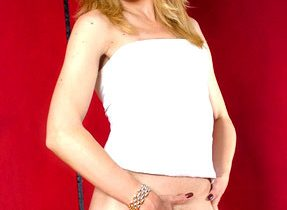 Luscious Transsexual With Stunning Body