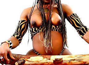 Ebony Tgirl And Her Meaty Tool