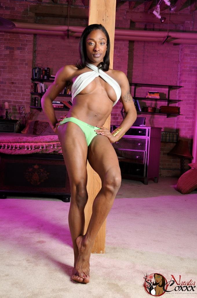 Super Sexy Ebony T-Girl Natalia Coxxx Posing