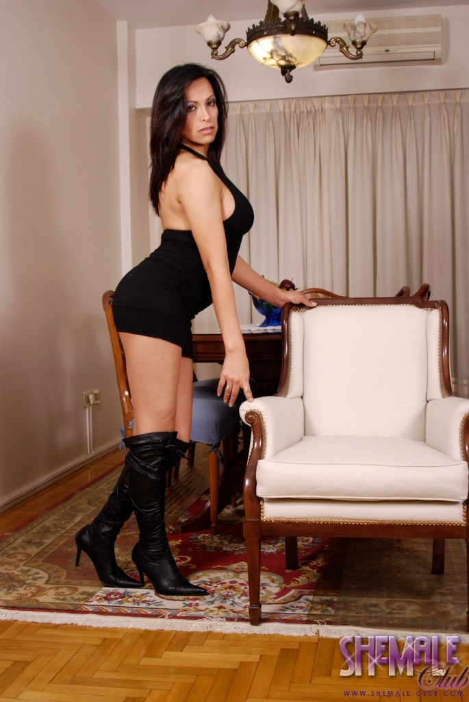 Beautiful Vera Strips And Poses In Long Boots