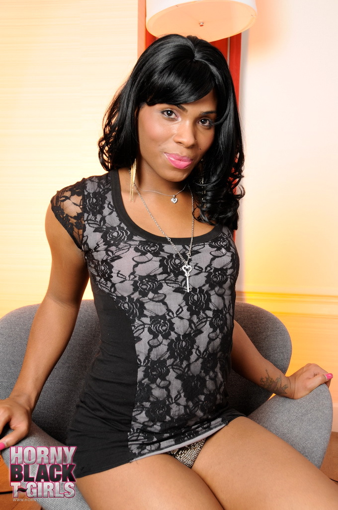 Ebony Sweetie Myla West Posing Her Kissable Body