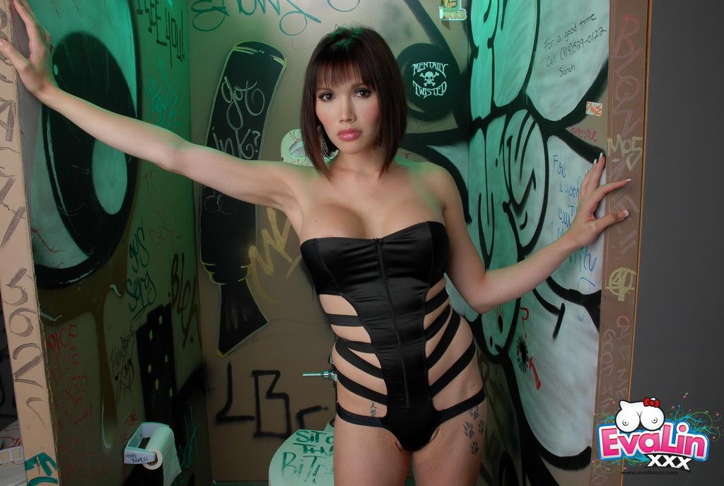 Dirty Transexual Eva Exploring The Glory Hole