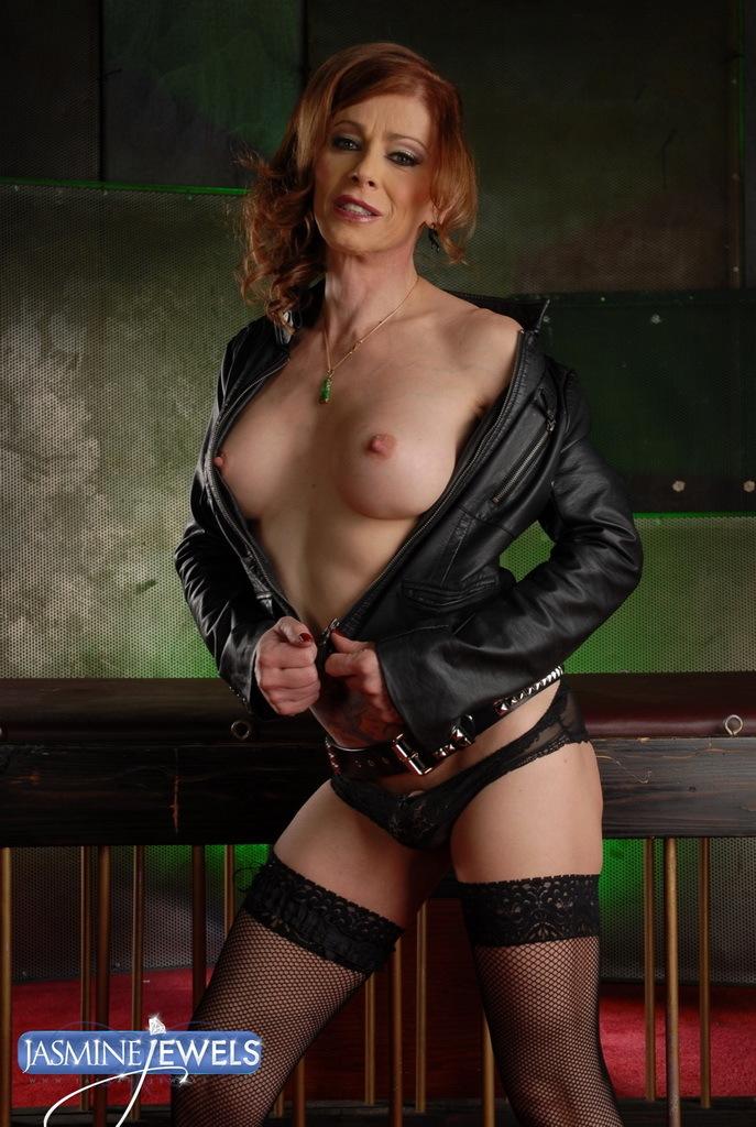 Irresistible Ladyboy Jasmine Nailing Her Sex Slave