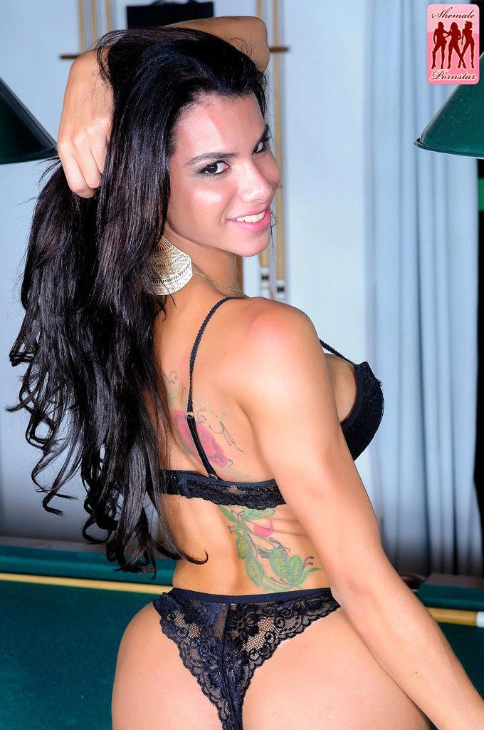 Fernanda Cristine Bangs Kampfer!