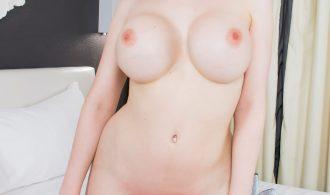 Steamy Sarina Valentina Loves Her Buttplug!