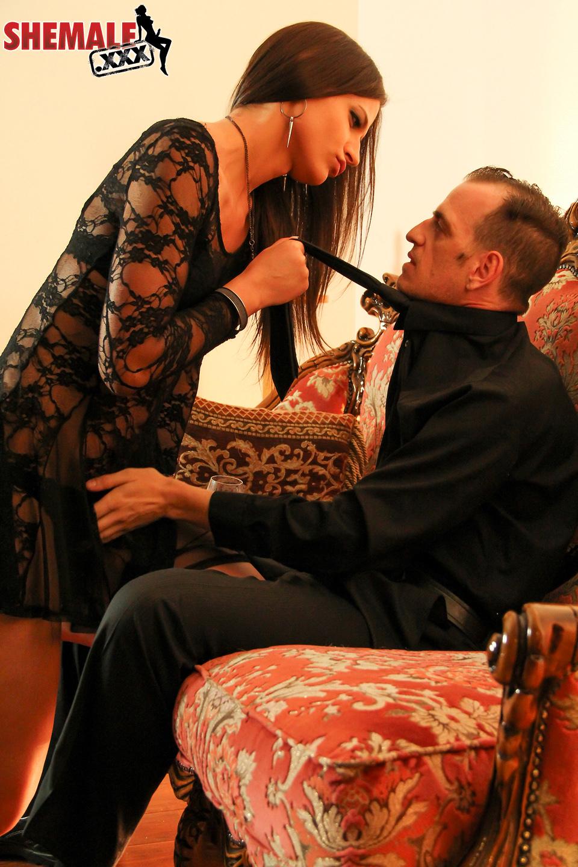 T-Girl Seduccing Her Boss