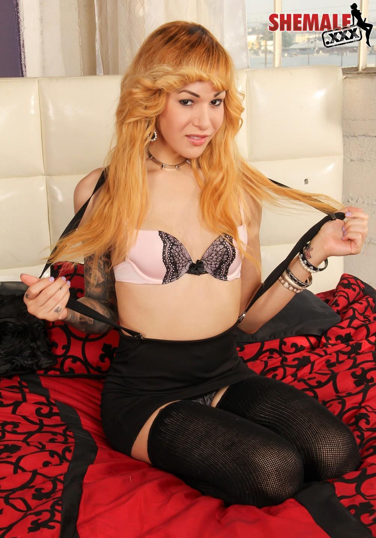 Ryder Monroe Posing In Bra And Tight Skirt