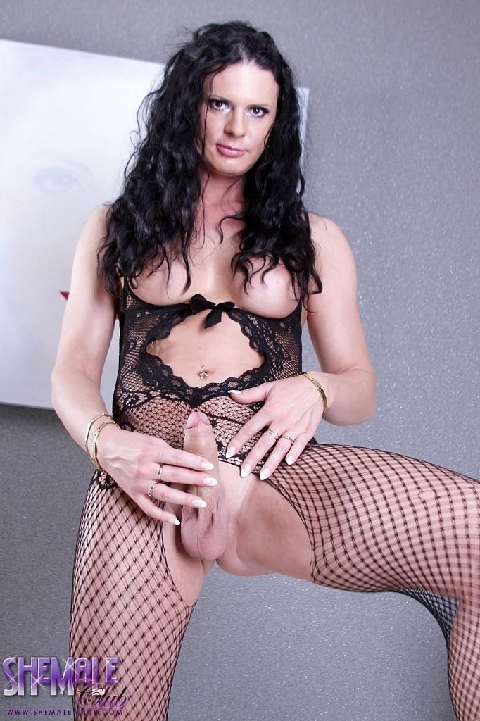 Lina Cavalli In Provocative Latex