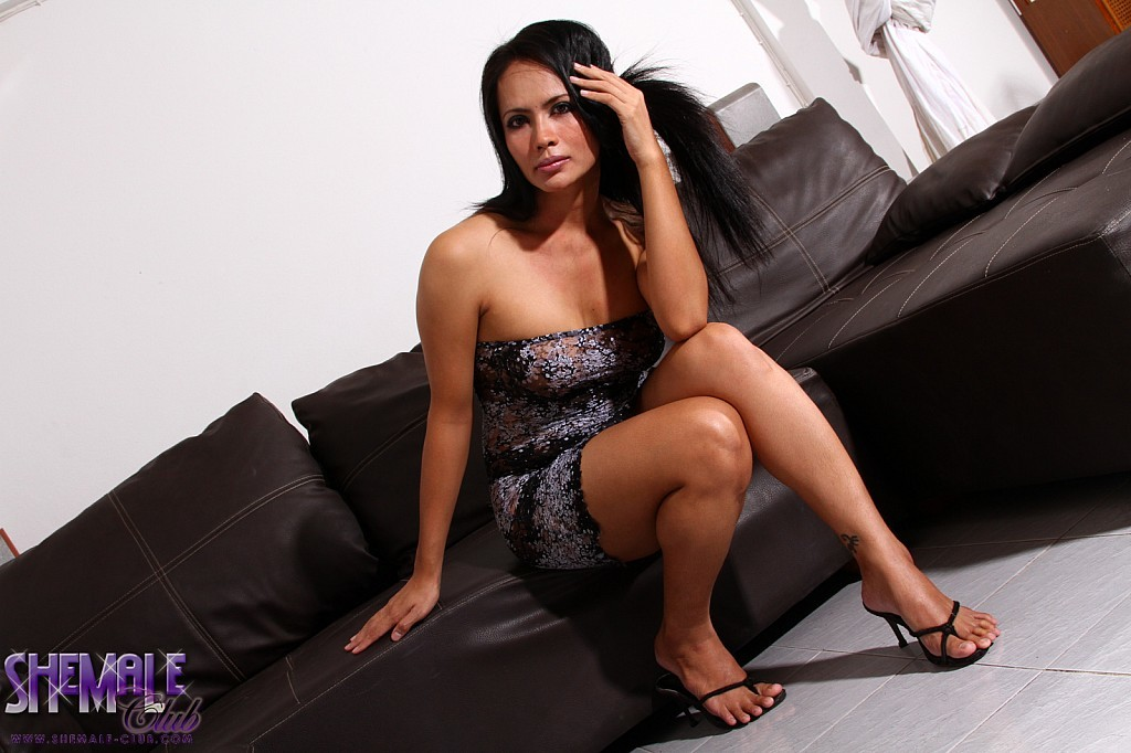Exotic Angie Wanks And Spreads